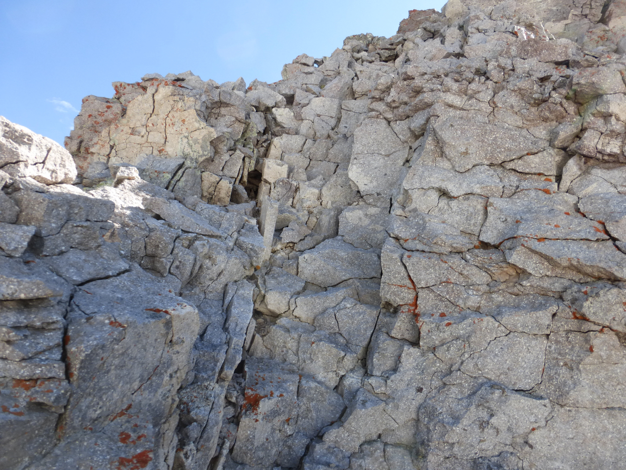 fractured steps N of Cirque top